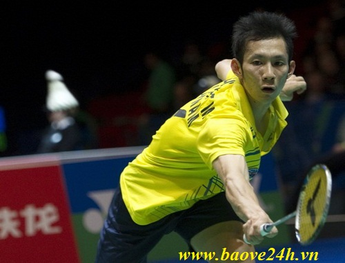 Tien Minh Nguyen of Vietnam returns the
